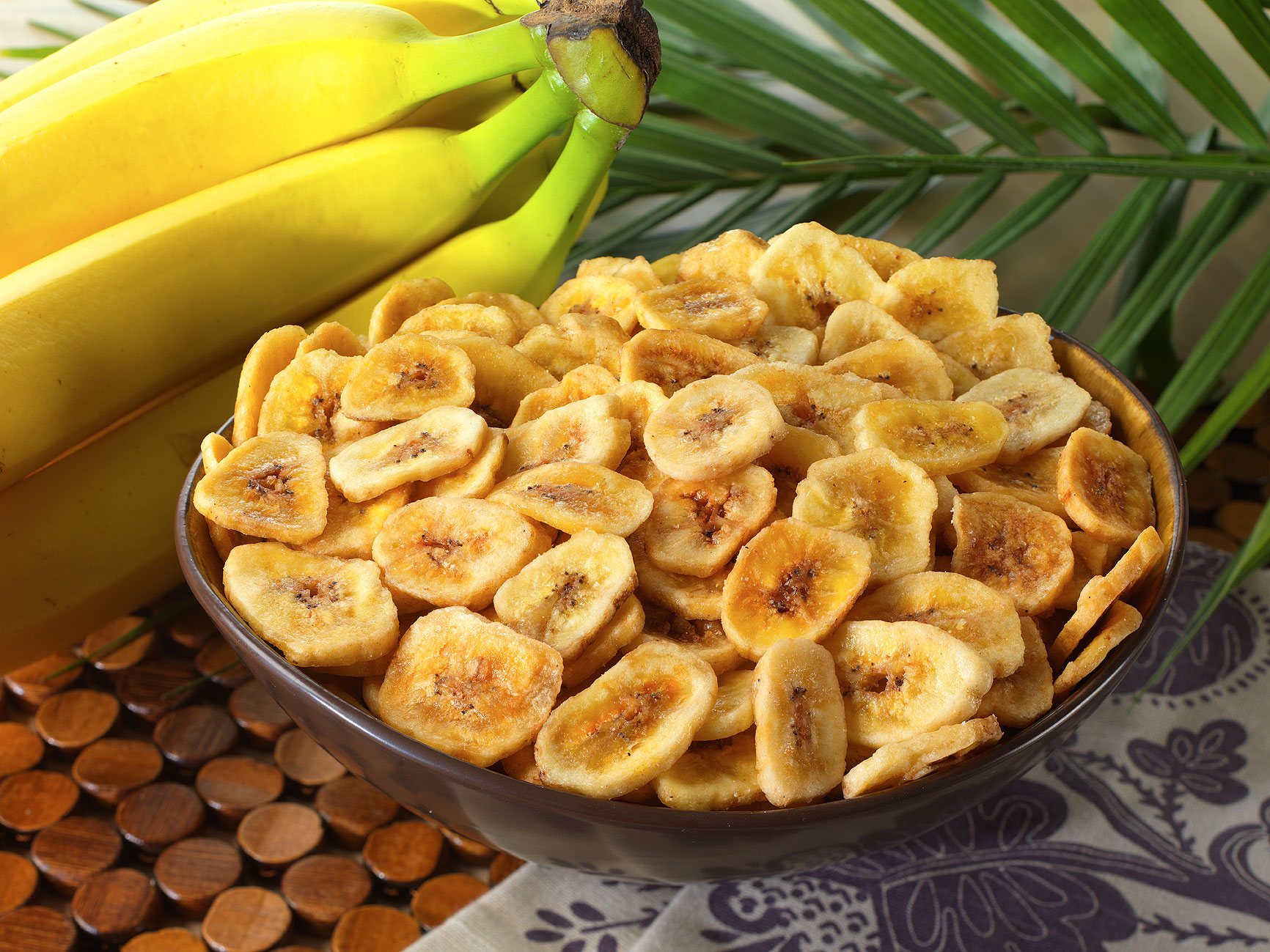 10 Foods EVERYBODY Mistake for Healthy: Banana-Chips