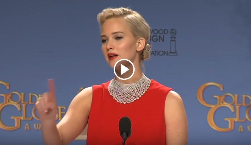 Jennifer Lawrence Golden Globes 2016 Reporter Looking on his phone