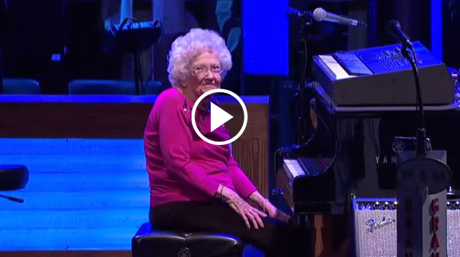 Try to Watch 98 Year Old Granny Playing a Piano Without Crying!