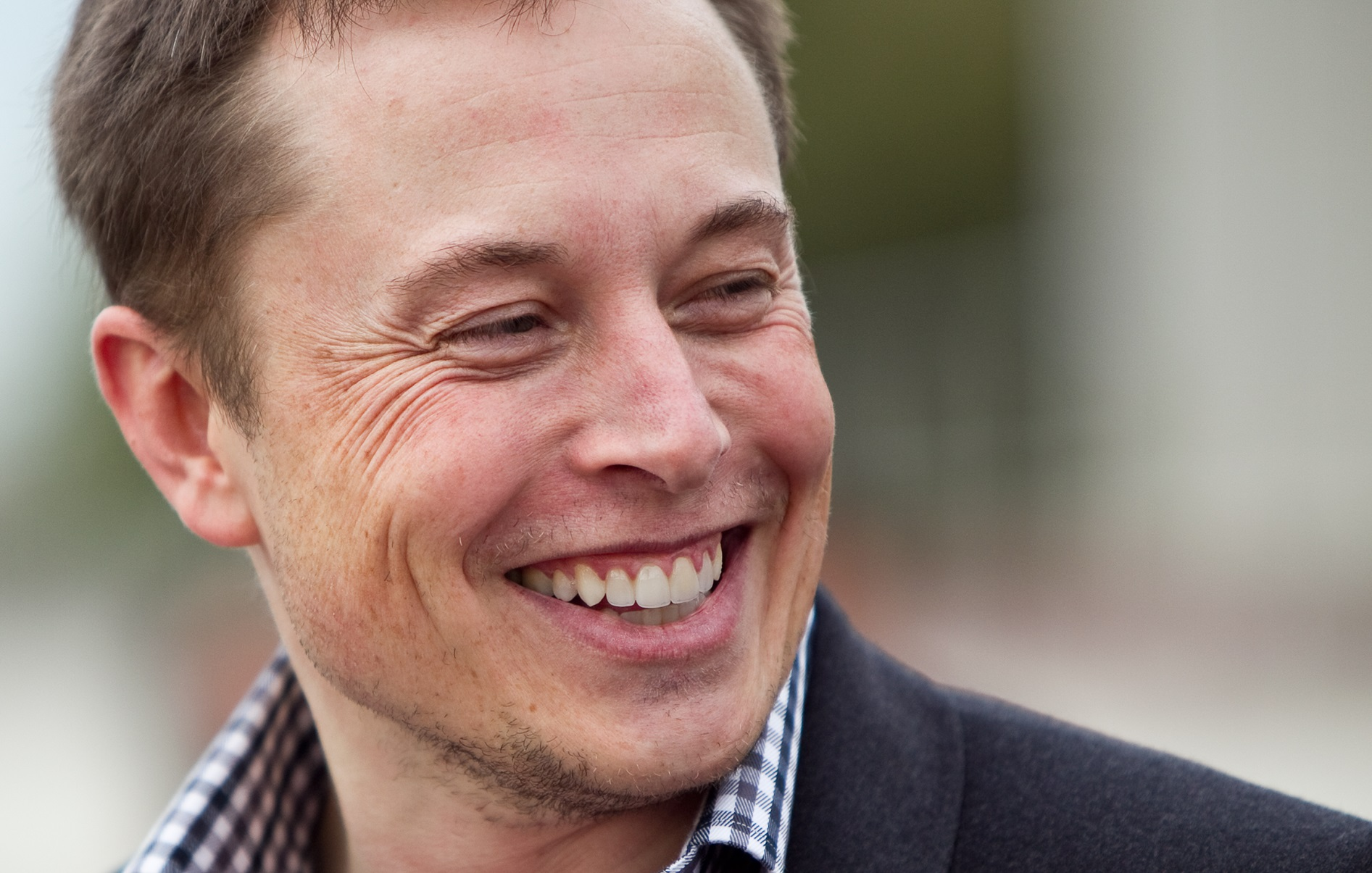 elon-musk-will-give-free-wifi-to-the-entire-planet