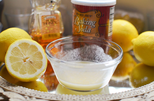 Mixing Baking Soda And Lemon
