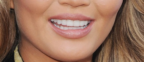 lips-that-are-naturally-plumper-in-the-center-of-the-upper-and-lower-lip
