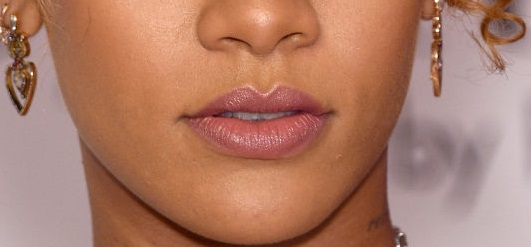 lips-with-a-peaked-cupids-bow