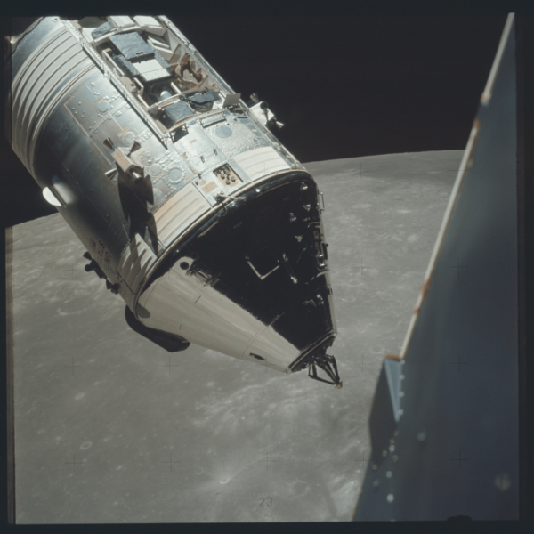 nasa-released-10000-new-photos-from-the-moon-1