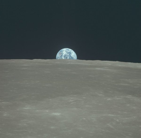 nasa-released-10000-new-photos-from-the-moon-16