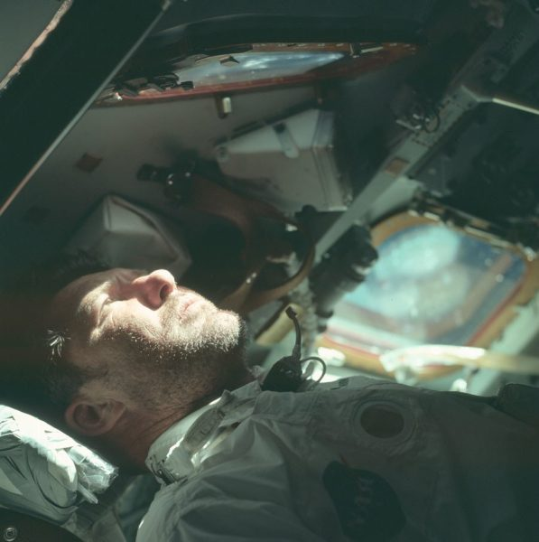 nasa-released-10000-new-photos-from-the-moon-18