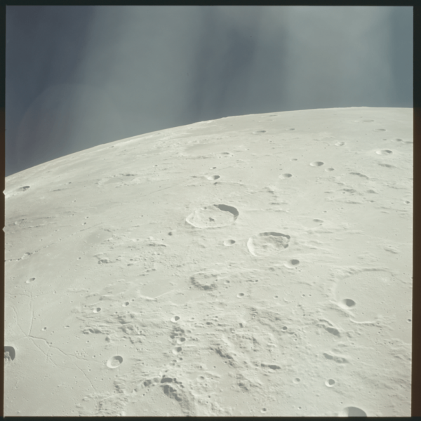 nasa-released-10000-new-photos-from-the-moon-2
