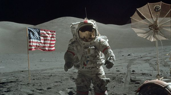 nasa-released-10000-new-photos-from-the-moon-26