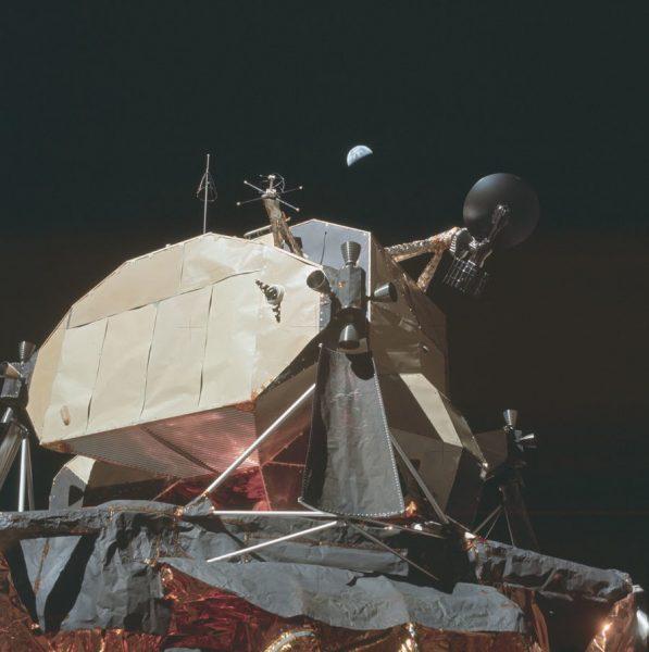 nasa-released-10000-new-photos-from-the-moon-31