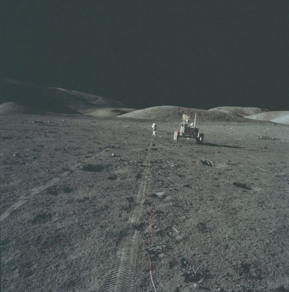 nasa-released-10000-new-photos-from-the-moon-36