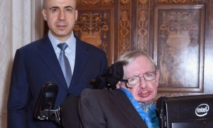 steven-hawking-discloses-We Are NOT Alone