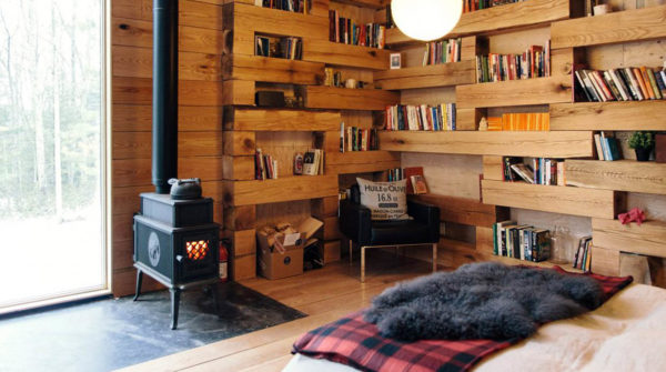 cozy-library-in-the-middle-of-nowhere-3