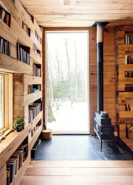cozy-library-in-the-middle-of-nowhere-4