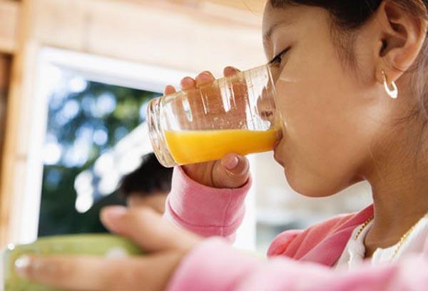 kapoor-cunt-juice-drinking-girls