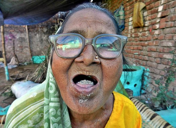 THIS Woman Eats 2KG Of Sand Per Day For 60 Years And She Has Never Been Sick