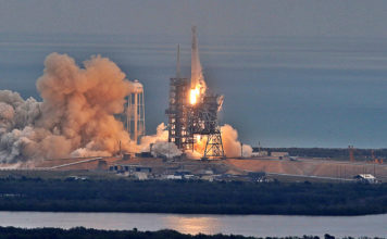 Elon Musk Sending 2 Individuals To The Moon