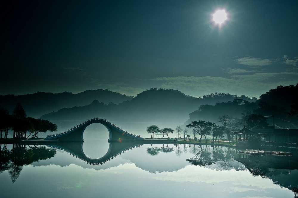 The Moon Bridge, Taiwan