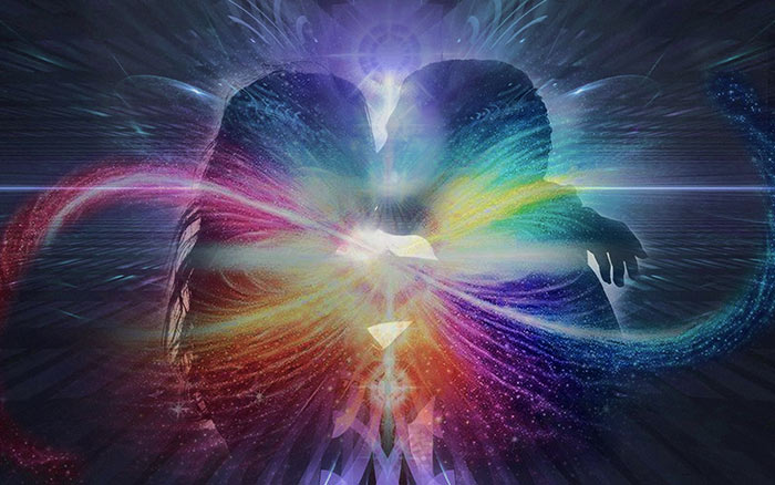 Difference Between Karmic, Soulmates, and Twin Flames