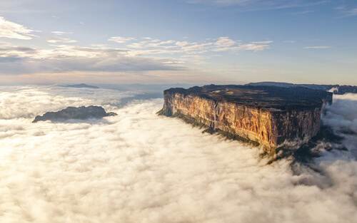 Most Beautiful Places On Earth 8.-Mount-Roraima-GC¦зo¦В-Guiana-Shield-Brazil_Guyana_Venezuela