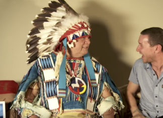 native-american-explains-why-they-keep-hair-long