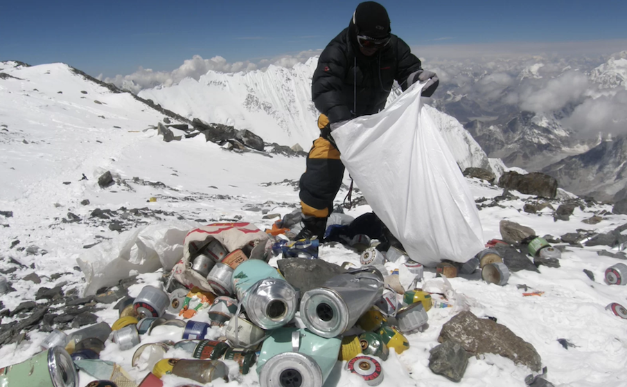 Everest Is Covered in a Giant Trash Pile 2