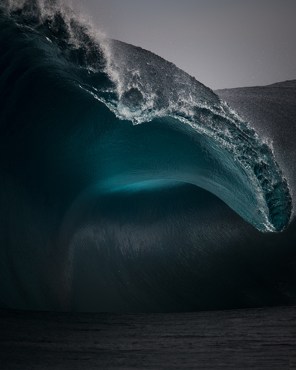 colorblind-photographer-capture-majestic-waves