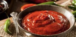 sriracha-sauce-keto-friendly
